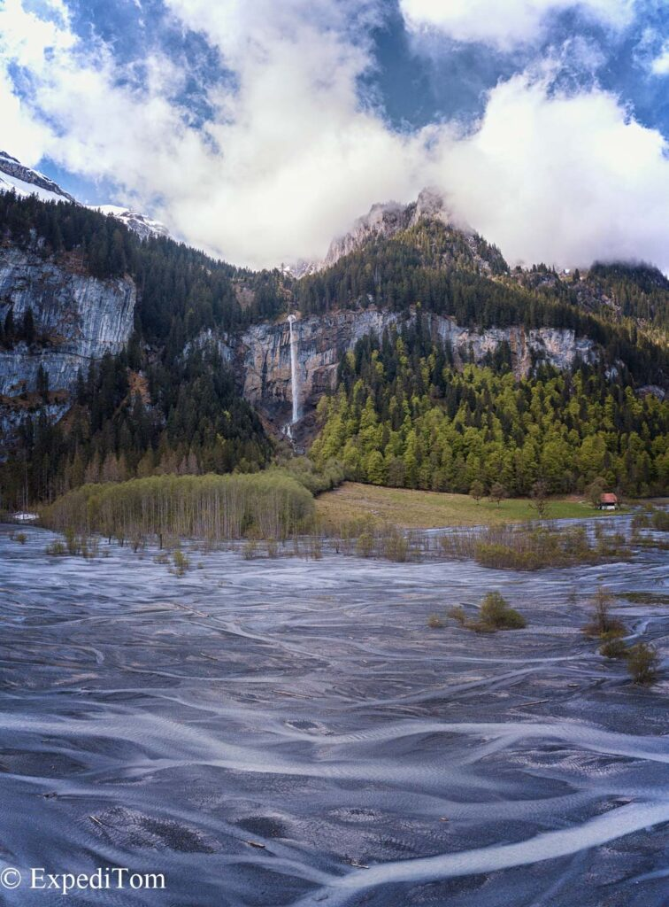 The structures that the water formed meandering through the valley are insanely beautiful