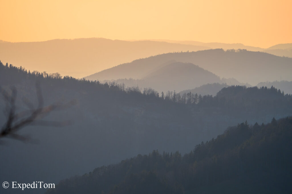 Rolling hills in the Jura mountains