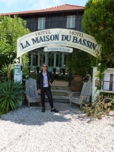 Main entrance to La Maison du Bassin
