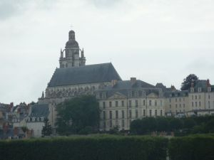 Approaching Blois from the bike path