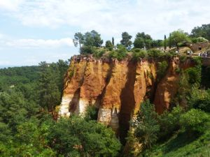 The ochre cliffs of Roussillon