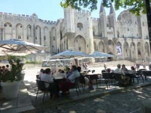 Cafes overlooking the Palace of the Popes