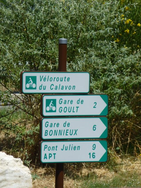 Signposting in the Luberon
