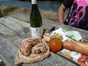 A simple picnic lunch with breathtaking views along the Loire