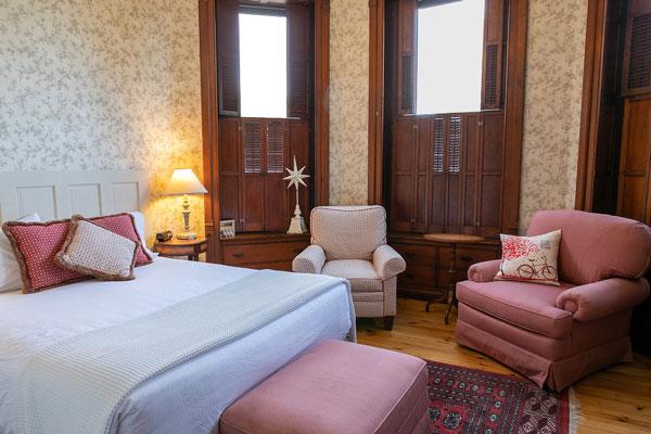 Belva-Lockwood-Inn-Owego-Tioga-County-Lovelass-Room