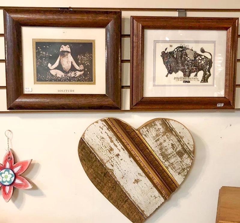 Black-Cat-Gallery-Owego-Decorative-Wall-Art