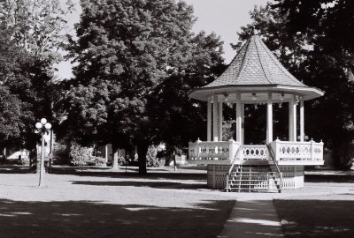 gazebo-enhanced-b-w