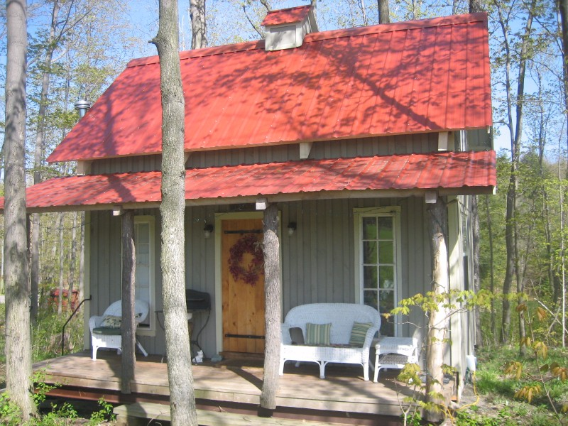 Small Graces Bed & Breakfast at Forget-me-not Farm