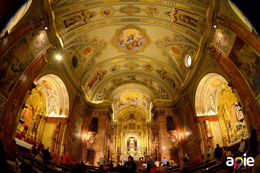 Ruta por los templos de Sevilla, basílica de la Macarena