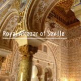 English tour inside the Alcazar of Seville