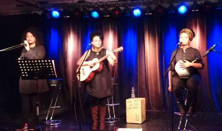 Wunderbarer Abschluss der #BritLitBerlin mit 3Women, drei inspirierenden Musikerinnen