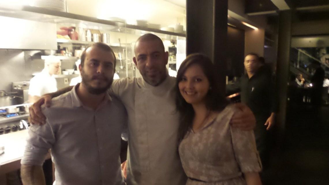Nós com o chef Henrique Fogaça Foto: ExperiMenteSP