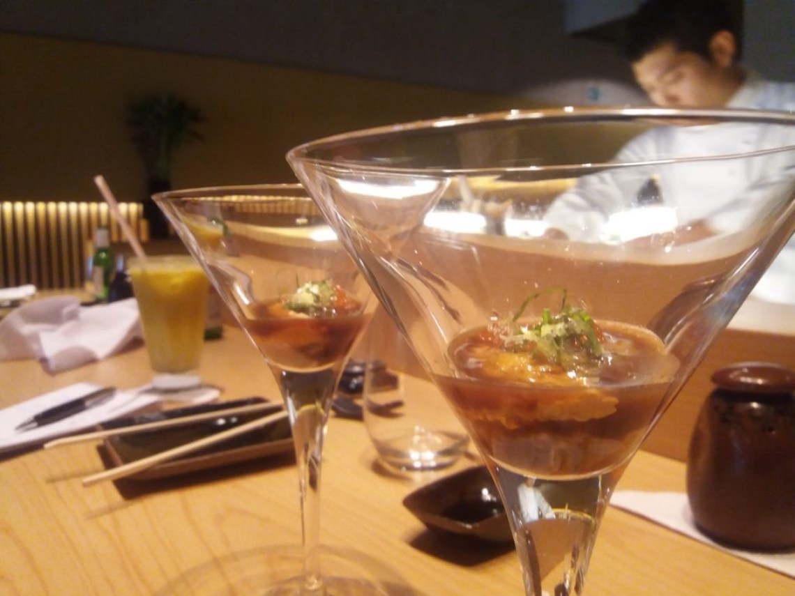 shot-ostra-ourico-ovas-salmão-molho-ponzu-toro-sushi