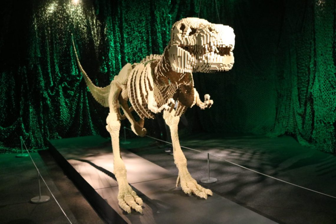 Dinossauro em Art Of The Brick Foto: ExperiMenteSP