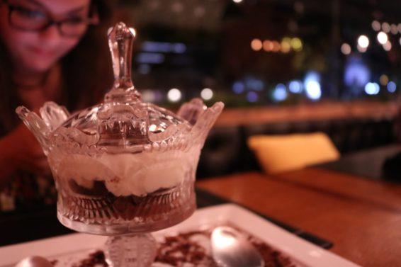 2gether 4ever - Mousse de chocolate branco e preto com cookies - Foto: ExperimenteSP