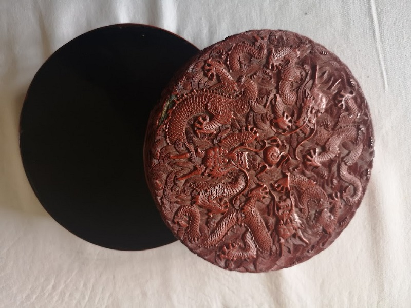 laque rouge chinoise Qianlong (1735-1796).