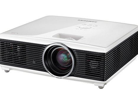 Samsung SP-F10M - первый в мире цифровой светодиодный RGB-проектор