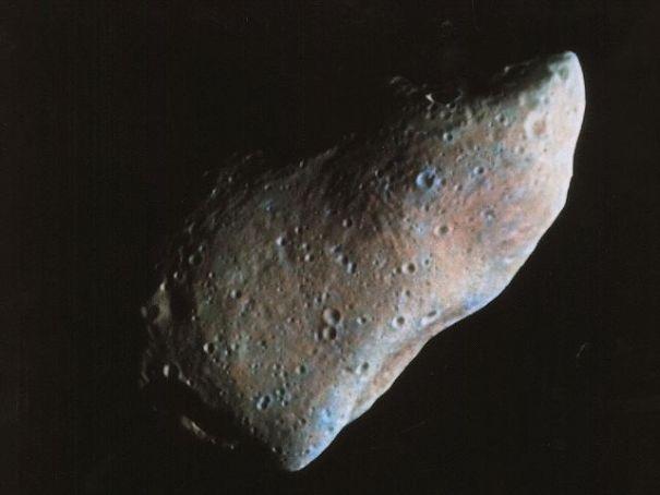 Астероид Гаспра хотя и не относится к ОЗО, однако соответствует им по характеристикам