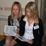 Украинцы чаще общаются, но меньше читают