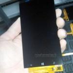 Опубликованы снимки передней панели смартфона с Windows Phone