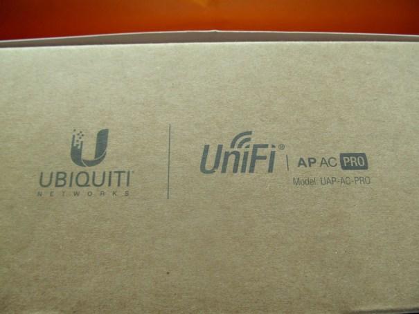 комплект поставки Ubiquiti UniFi AC Pro AP