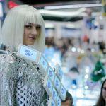 В Украине создали платье со встроенными экранами смартфонов и элементами, отпечатанными на 3D-принтере