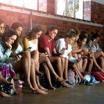 61% молодежи признают проблему зависимости от смартфона
