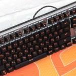 REAL-EL M07 – компактная механическая клавиатура за недорого