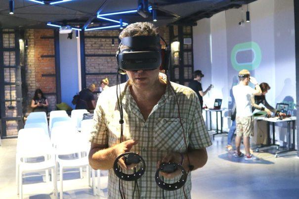 Lenovo Explorer VR