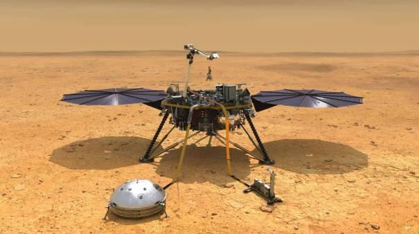 InSight на поверхности Марса