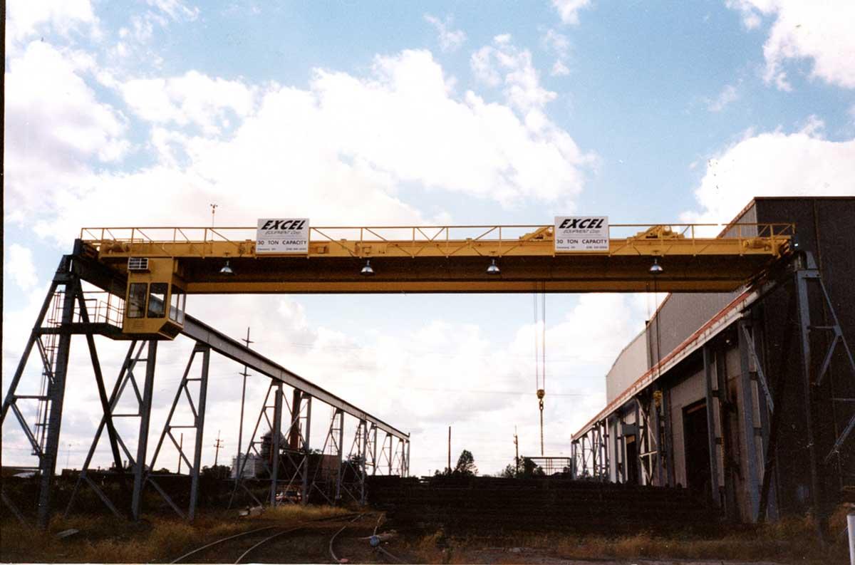Expert Crane outdoor crane