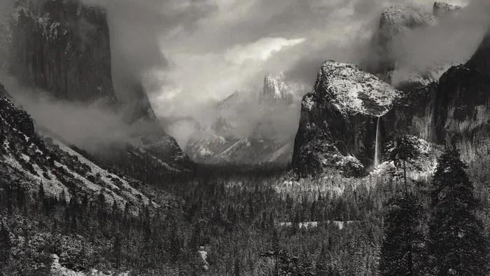 Ansel Adams photographie de paysage en noir et blanc du paysage de l'Ouest américain - les photographes les plus célèbres