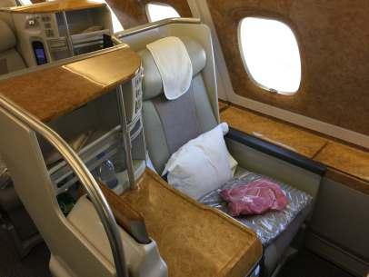 Emirates bus Class seat 3