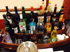 Emirates Lounge AKL bar