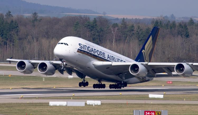 SQ takeoff A380