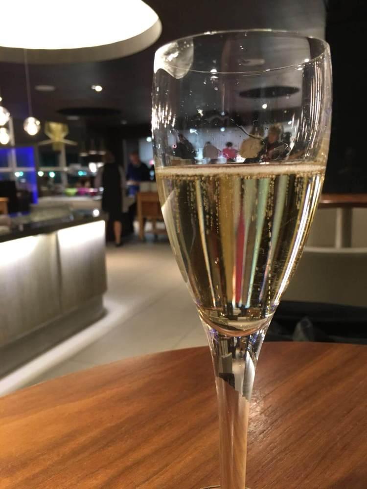 british-airways-club-champagne