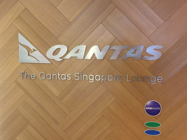 qantas-sign.jpeg