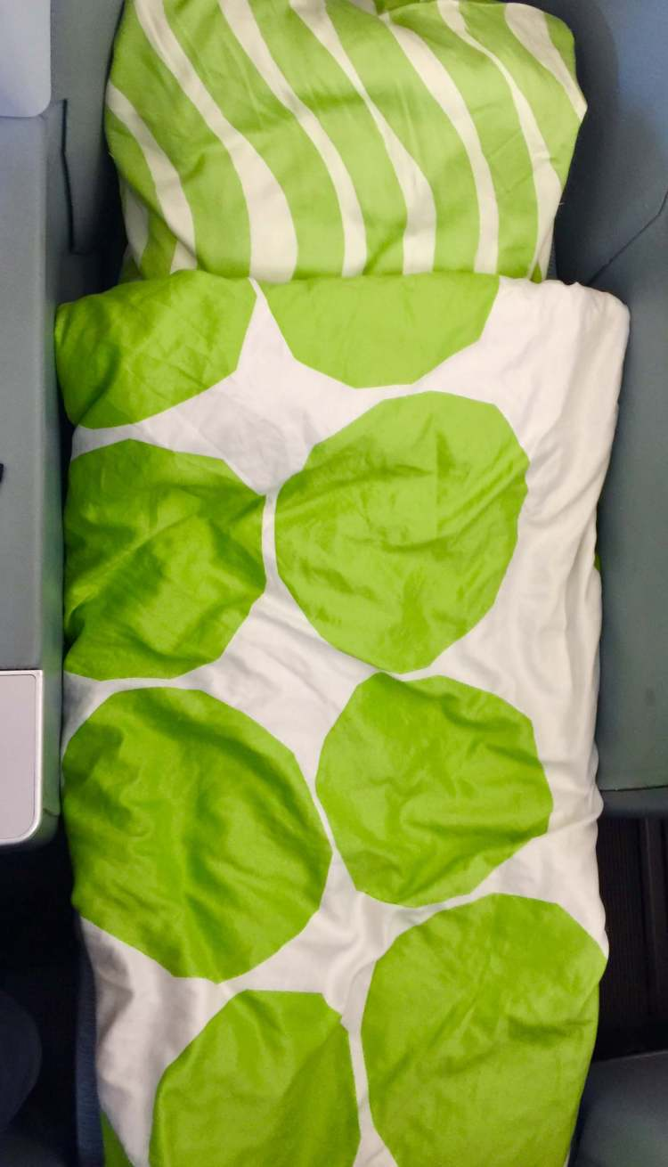 Finnair-A330-JFK-HEL-fully-flat-bed-round-world-trip