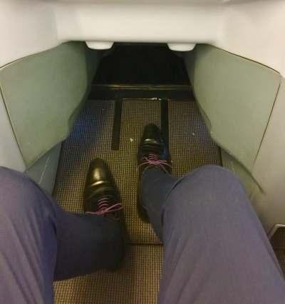 Finnair-A330-JFK-HEL-throne-seat-legroom-round-world-trip
