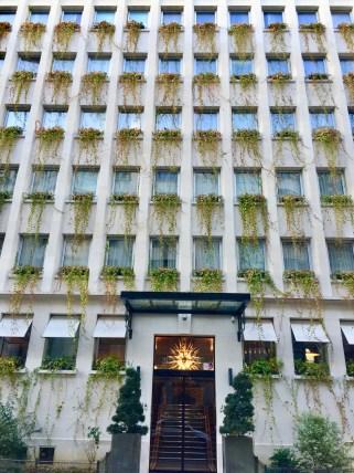 Juliana-Hotel-Paris-front-Hotel-round-world-trip