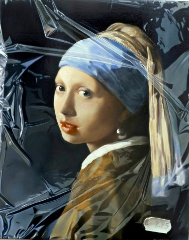 girl-with-a-pearl-earring-in-plastic