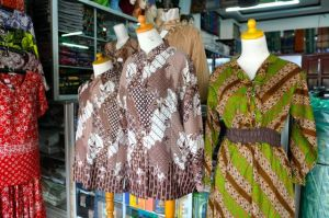 Batik of Pekalongan, Java, Indonesia (Photo: Jan Haenraets, 2011).