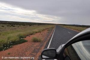 Long desolate stretches along the Stuart Highway (Photo: Jan Haenraets, 2012).