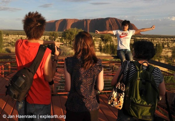Sunrise at Uluru (Photo: Jan Haenraets, 2012).