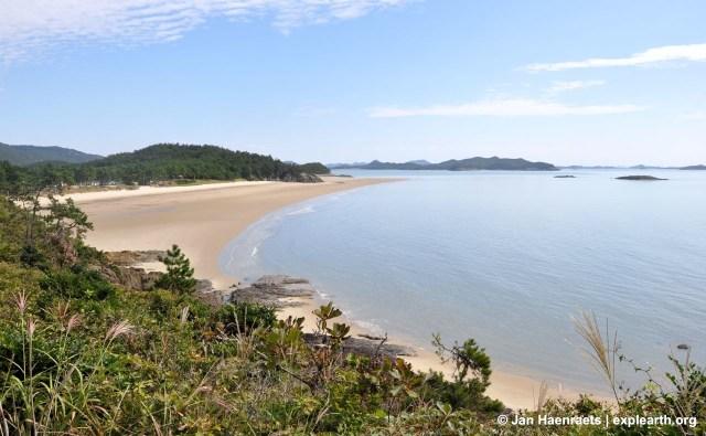 Myunjeon Beach on Jaeun Island (Photo: Jan Haenraets)