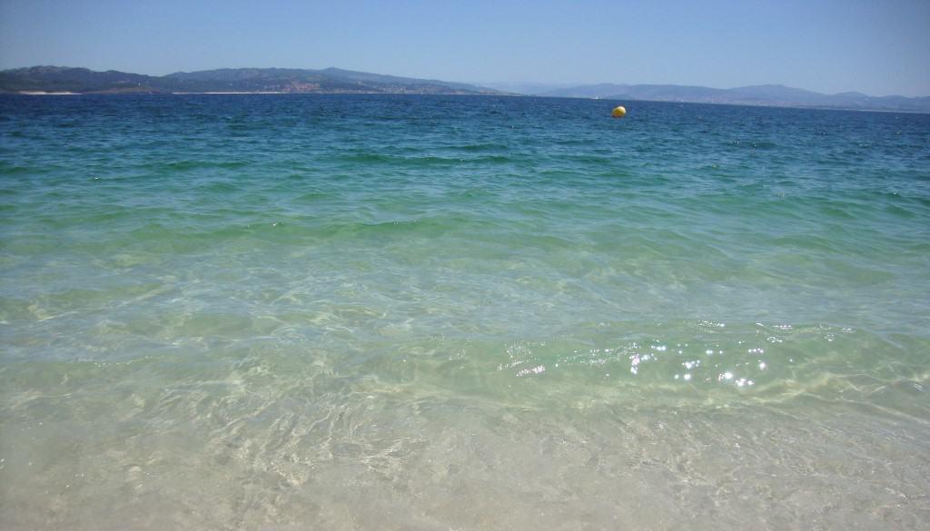 Maravilhosa cor do mar nas Ilhas Cíes