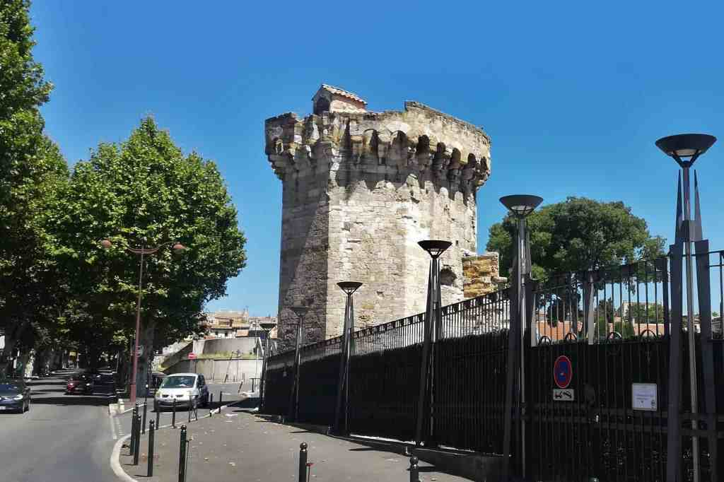 Vestígios de antiga muralha Aix-en-Provence