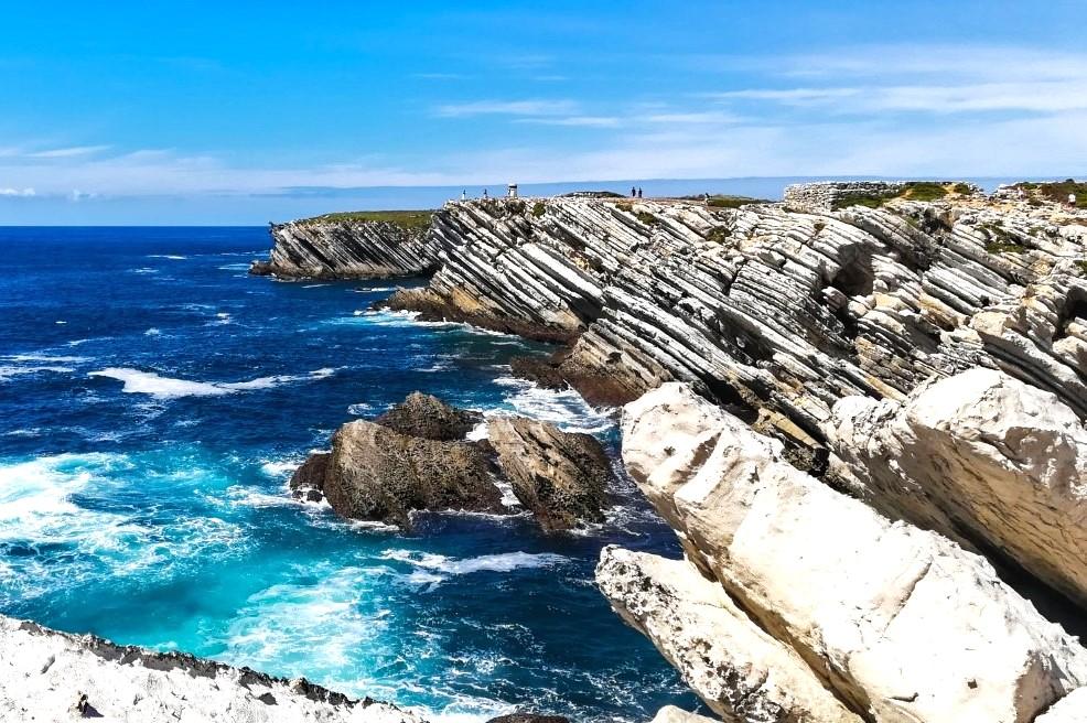 Formações rochosas na ponta da ilha do Baleal, em Peniche