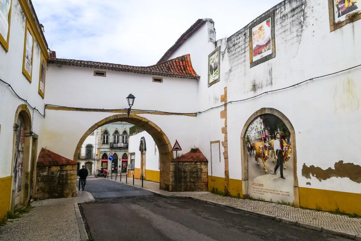 Arco das Freiras, , que ligava o Convento de Santa Iria ao Palácio de Frei António de Lisboa