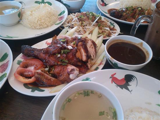 kami pilih Nasi Ayam Roasted Chicken with Black Pepper Sauce